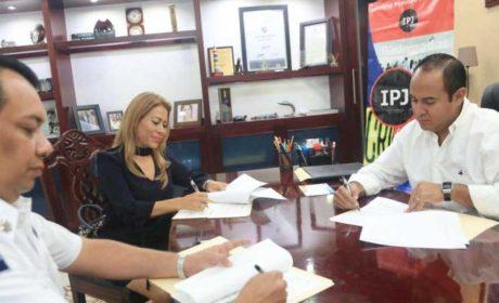CAPACITAN A POLICÍAS CON FIRMA DE CONVENIO CON EL INSTITUTO PERICIAL JUDICIAL