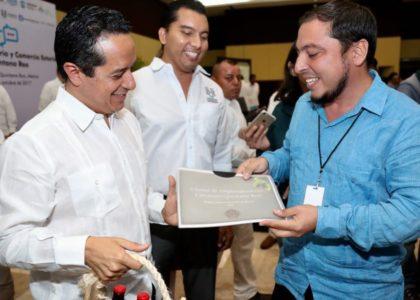 Inaugura Carlos Joquín 1er. Foro de Industria y Comercio Exterior