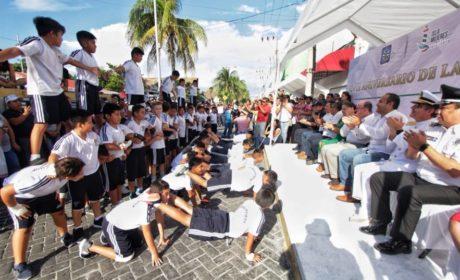 MAGNO DESFILE EN ISLA MUJERES POR EL DÍA DE LA REVOLUCIÓN MEXICANA
