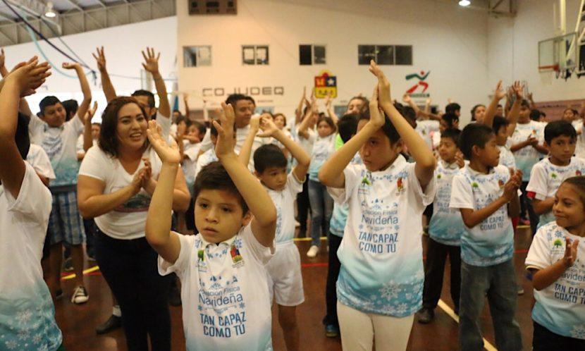 Celebran Día Internacional de la Discapacidad con ejercicios y regalos