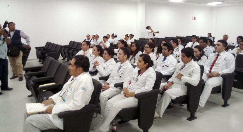 CONCLUYEN MÉDICOS PRIMER AÑO DE RESIDENCIA EN EL HG
