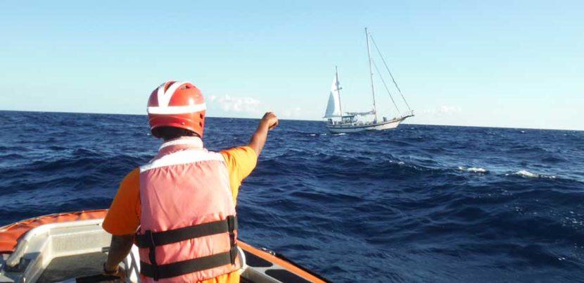 Rescata SEMAR embarcación a la deriva cerca de Isla Mujeres