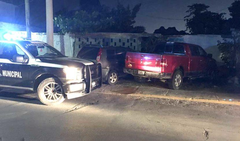 Reportan personas presuntamente armadas a bordo de una camioneta